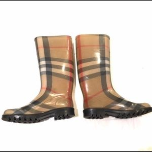 Burberry Nova Check Rain boots size 6